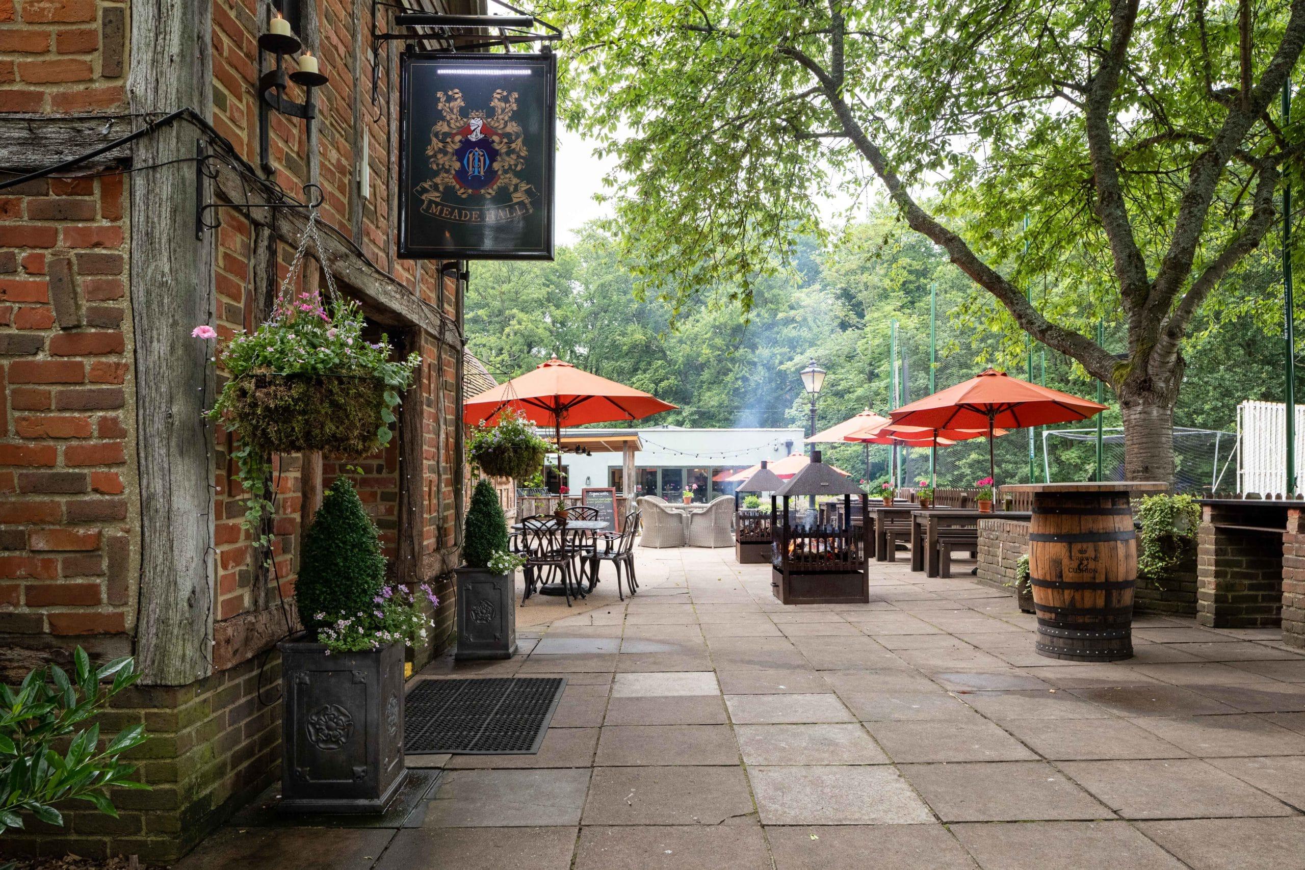 Crown cushion beer garden